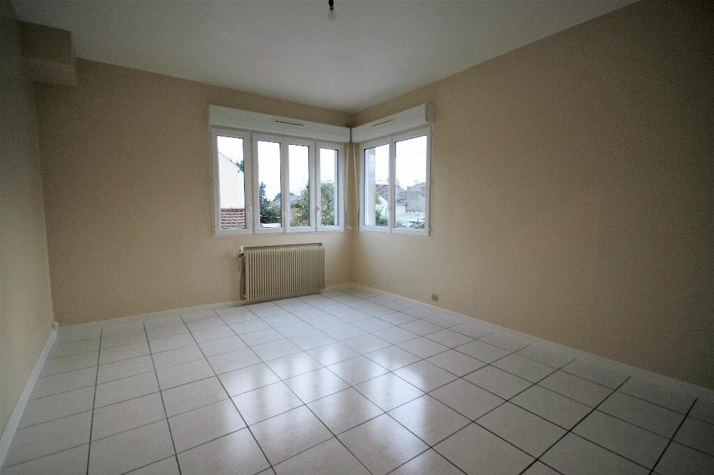 Location Appartement 1 pièce à Houilles - vignette-1
