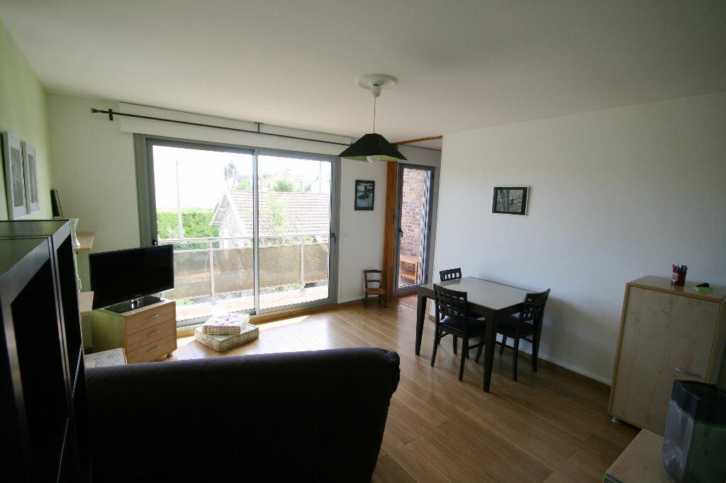 Achat Appartement 2 pièces à Carrières-sur-Seine - vignette-1