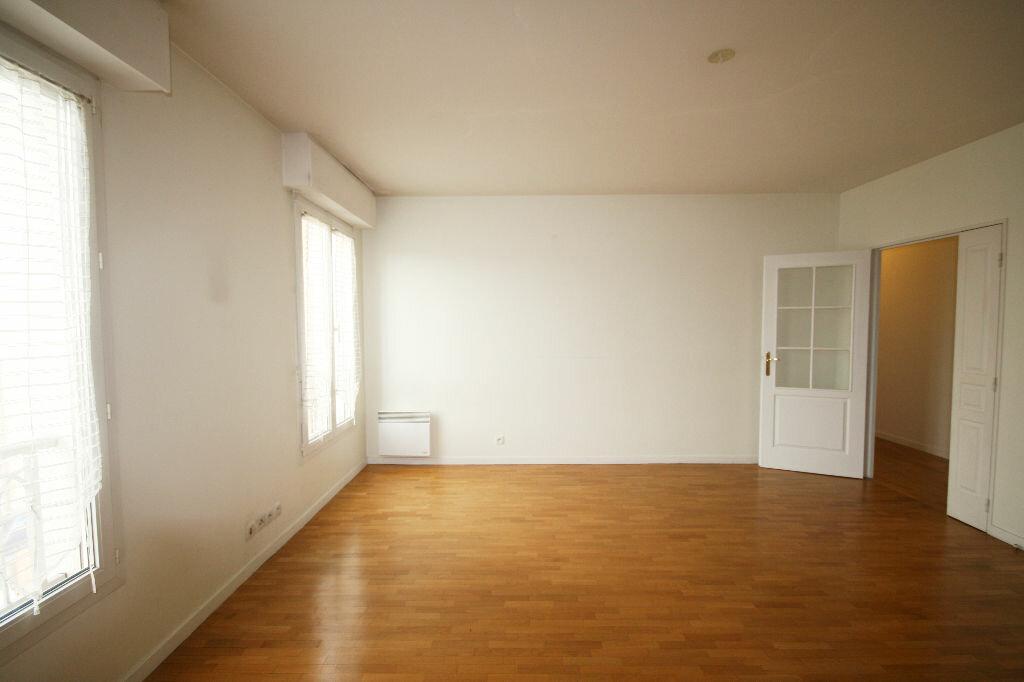 Location Appartement 4 pièces à Poissy - vignette-1