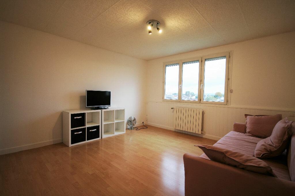 Location Appartement 3 pièces à Houilles - vignette-1