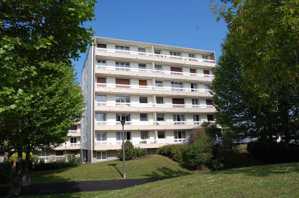 Location Appartement 3 pièces à Ermont - vignette-1