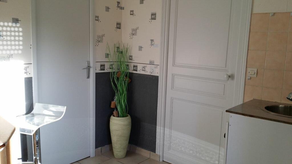 Location Appartement 2 pièces à Chaumont - vignette-2