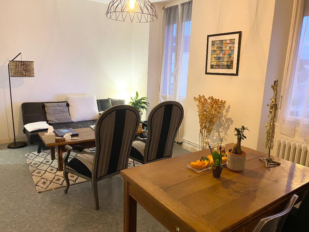 Location Appartement 5 pièces à Chaumont - vignette-1