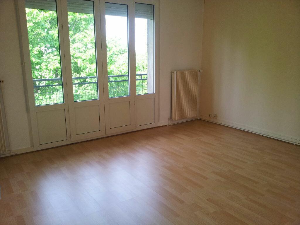 Achat Appartement 4 pièces à Chaumont - vignette-1