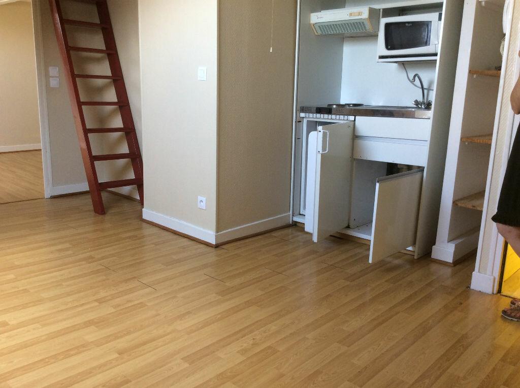 Location Appartement 3 pièces à Chaumont - vignette-1