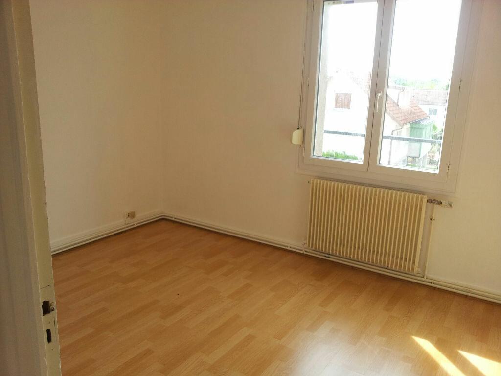 Achat Appartement 3 pièces à Chaumont - vignette-2