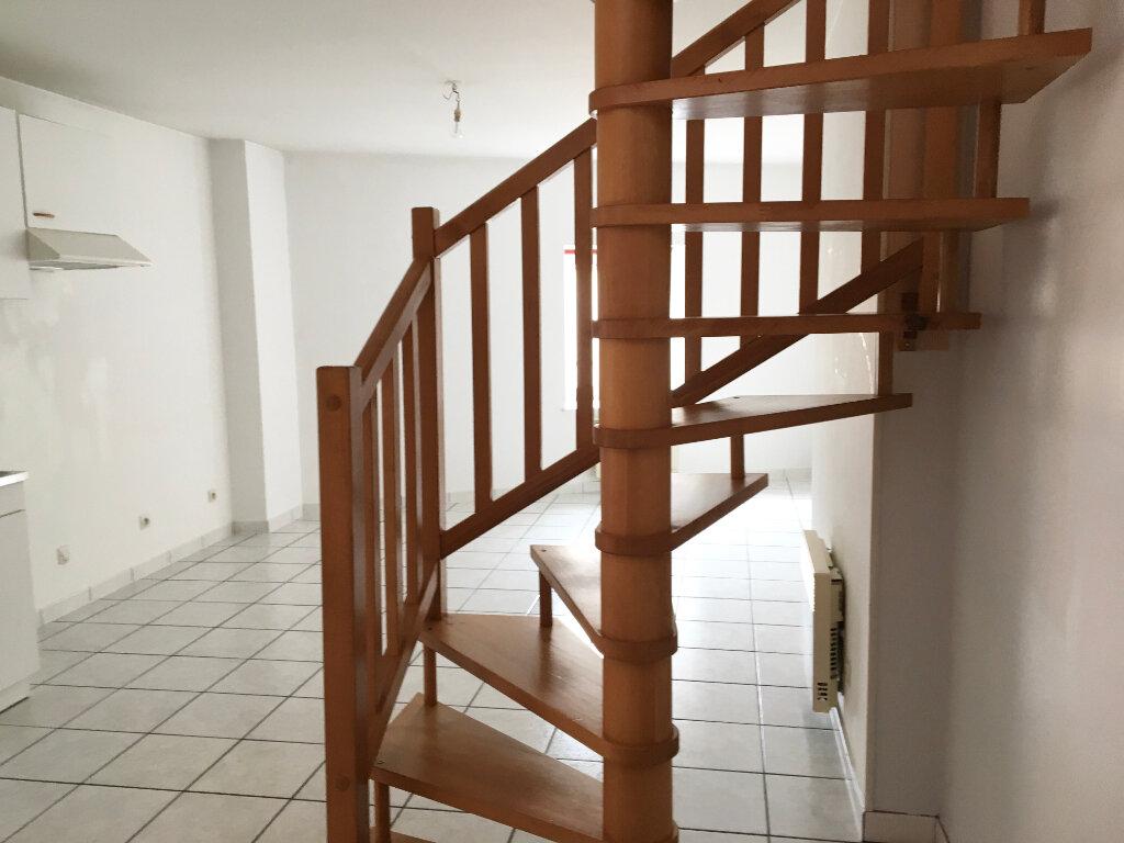 Location Appartement 2 pièces à Chaumont - vignette-4