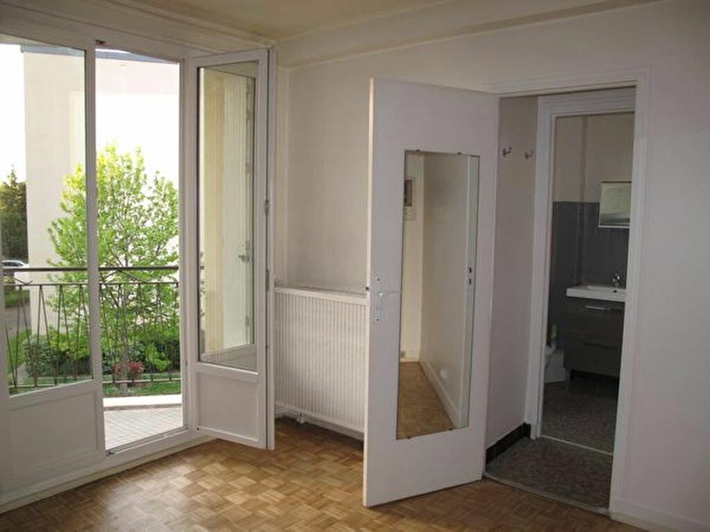 Achat Appartement 1 pièce à Savigny-sur-Orge - vignette-1