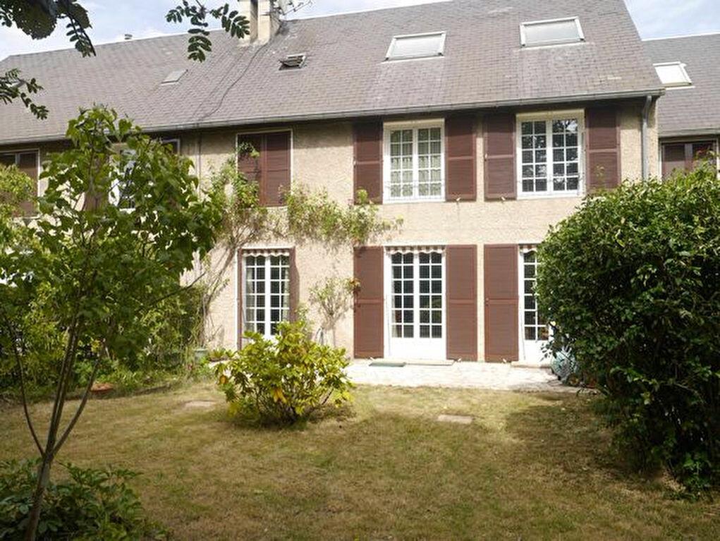 Achat Maison 8 pièces à Savigny-sur-Orge - vignette-1