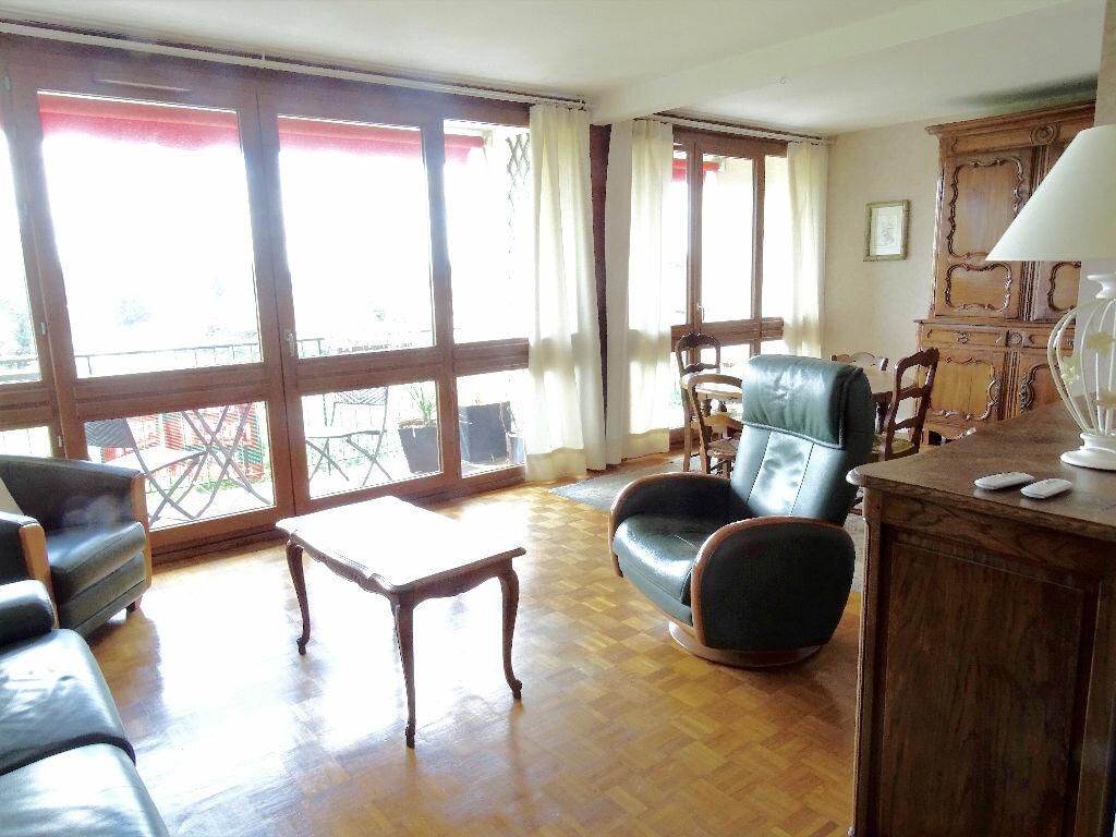Achat Appartement 5 pièces à Chilly-Mazarin - vignette-1