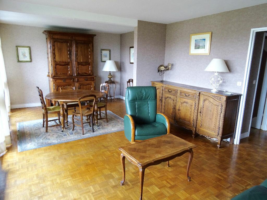 Achat Appartement 5 pièces à Chilly-Mazarin - vignette-3