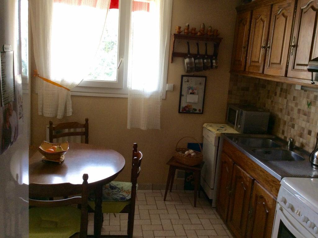 Achat Appartement 3 pièces à Chilly-Mazarin - vignette-3