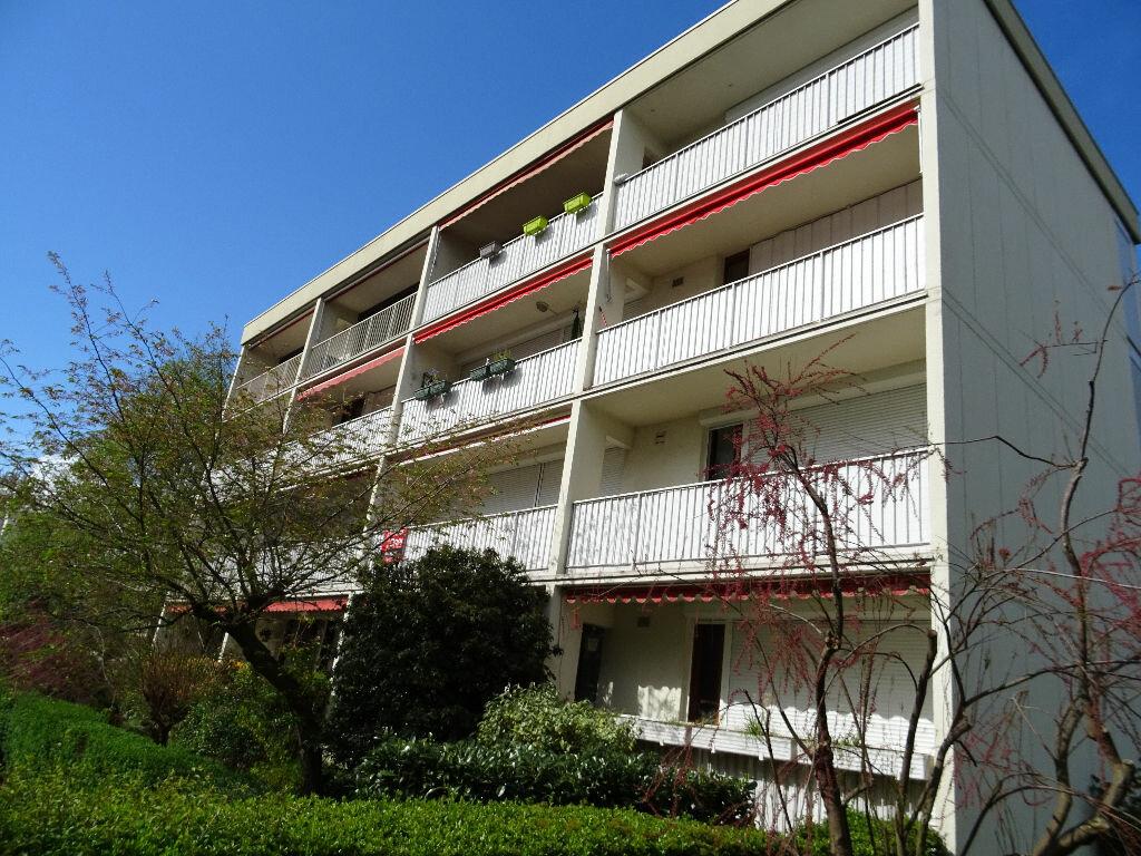 Achat Appartement 3 pièces à Chilly-Mazarin - vignette-1