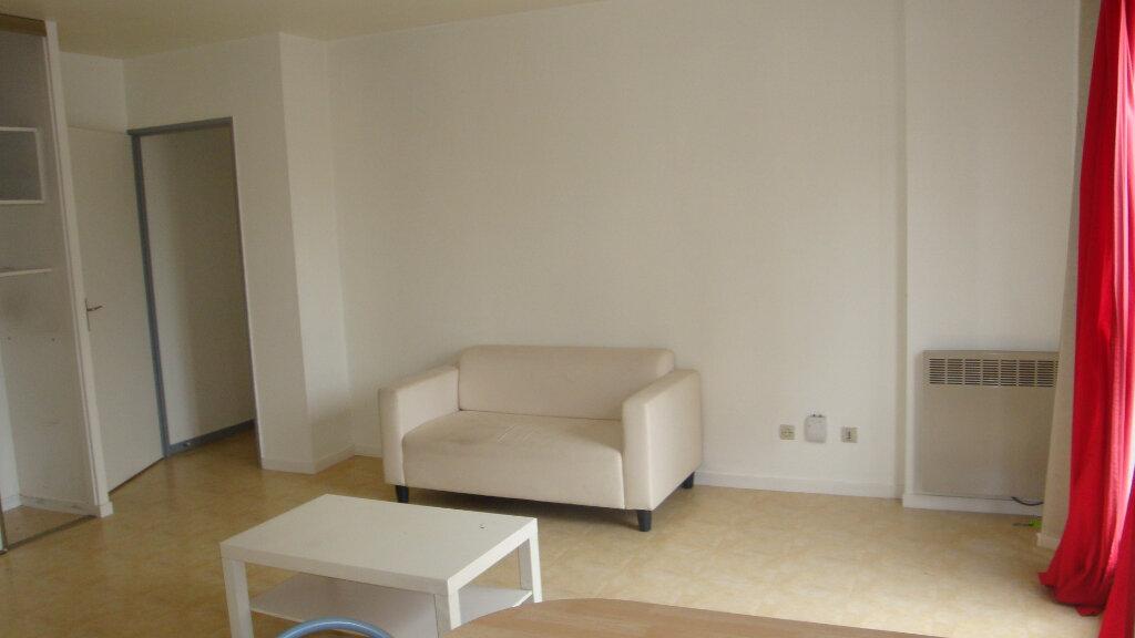 Achat Appartement 1 pièce à Longjumeau - vignette-2