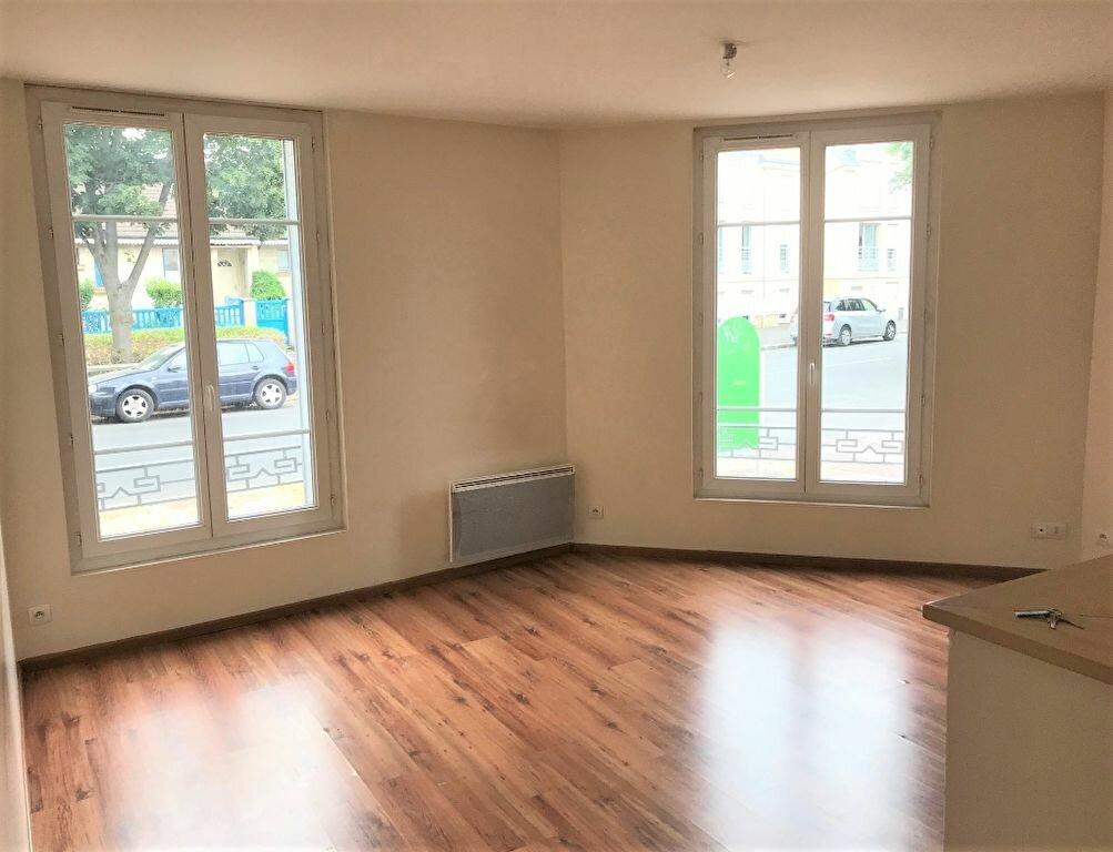 Location Appartement 2 pièces à Antony - vignette-1
