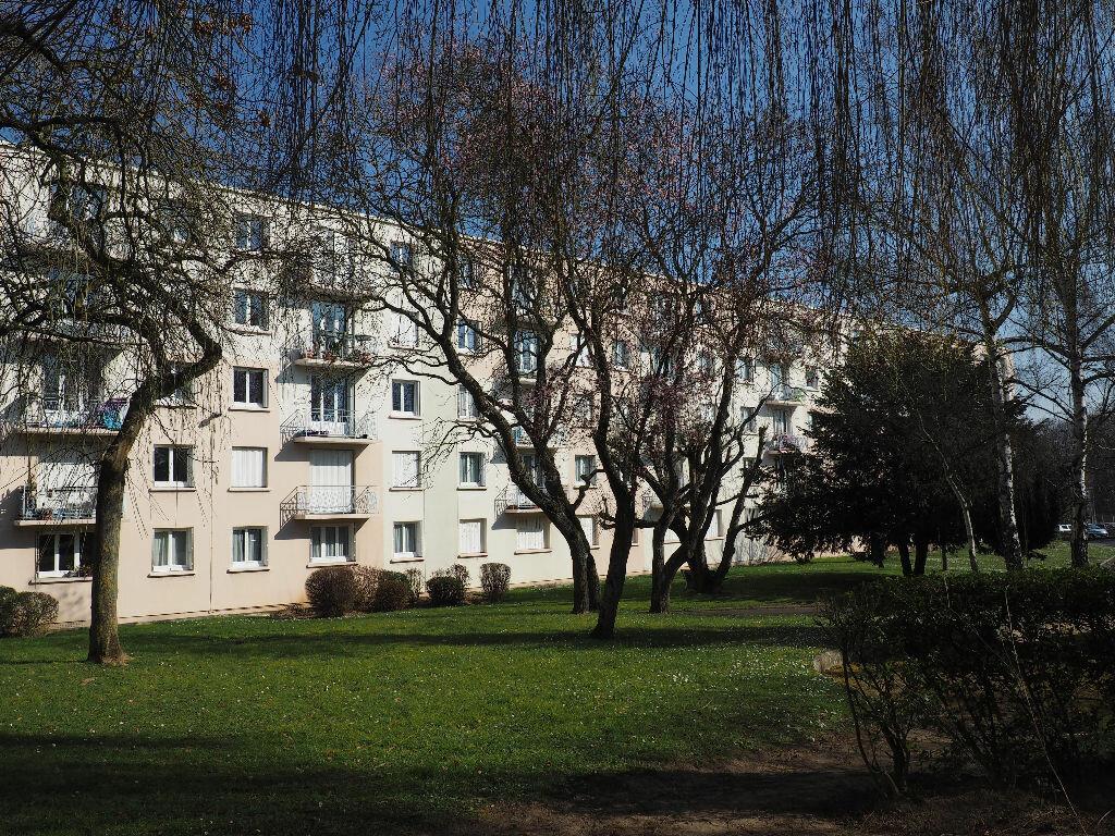 Achat Appartement 4 pièces à Massy - vignette-1