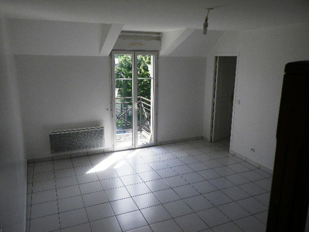 Location Appartement 3 pièces à Villecresnes - vignette-1