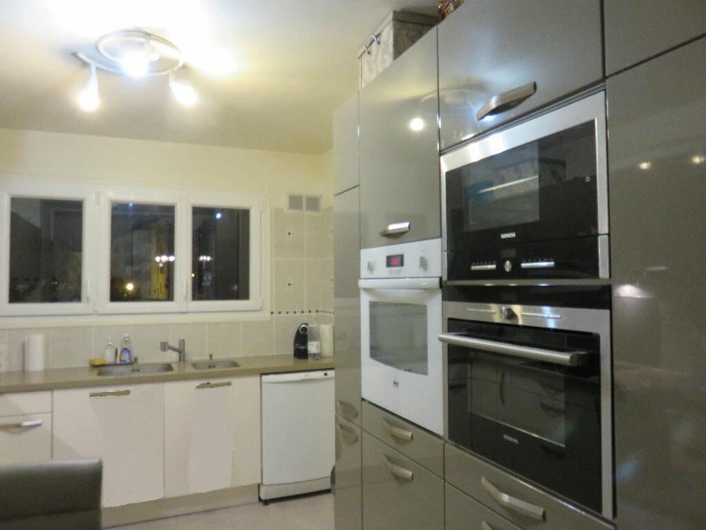 Achat Appartement 4 pièces à Villecresnes - vignette-3