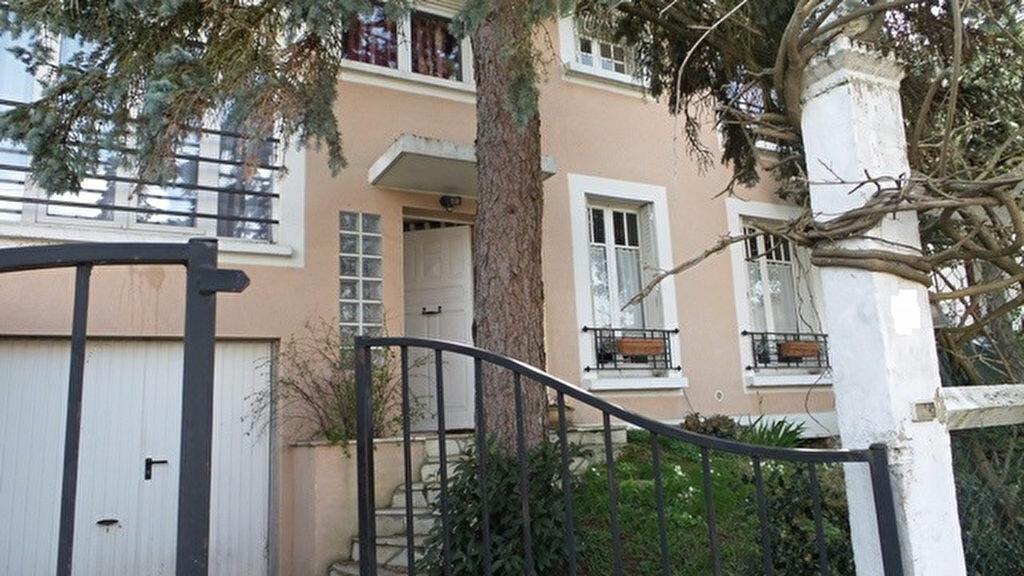 Achat Maison 8 pièces à Combs-la-Ville - vignette-1