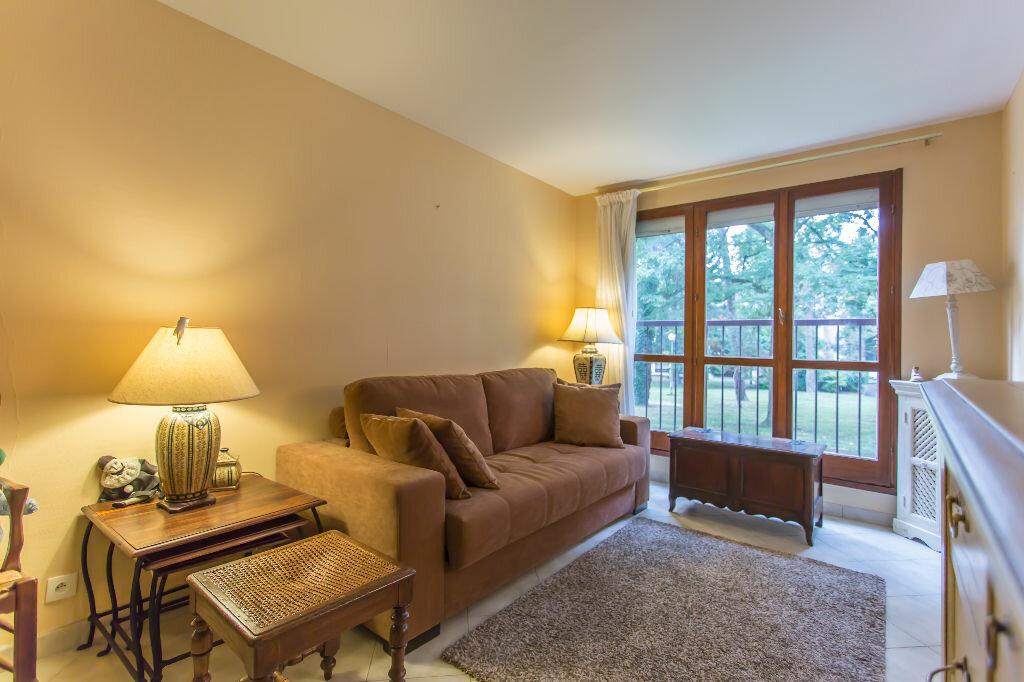 Achat Appartement 1 pièce à Villecresnes - vignette-1