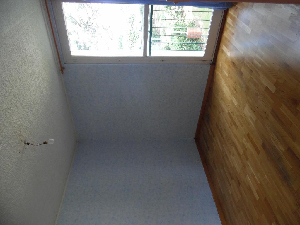 Location Appartement 4 pièces à Crosne - vignette-5