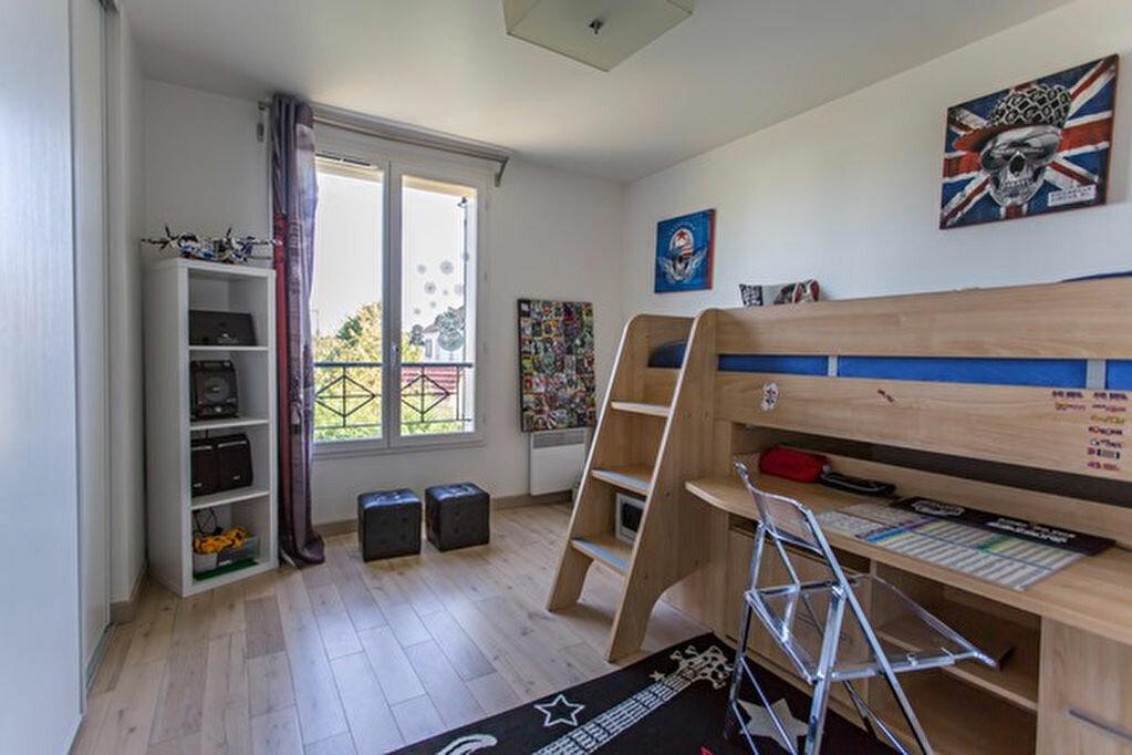 Achat Maison 6 pièces à Vigneux-sur-Seine - vignette-17