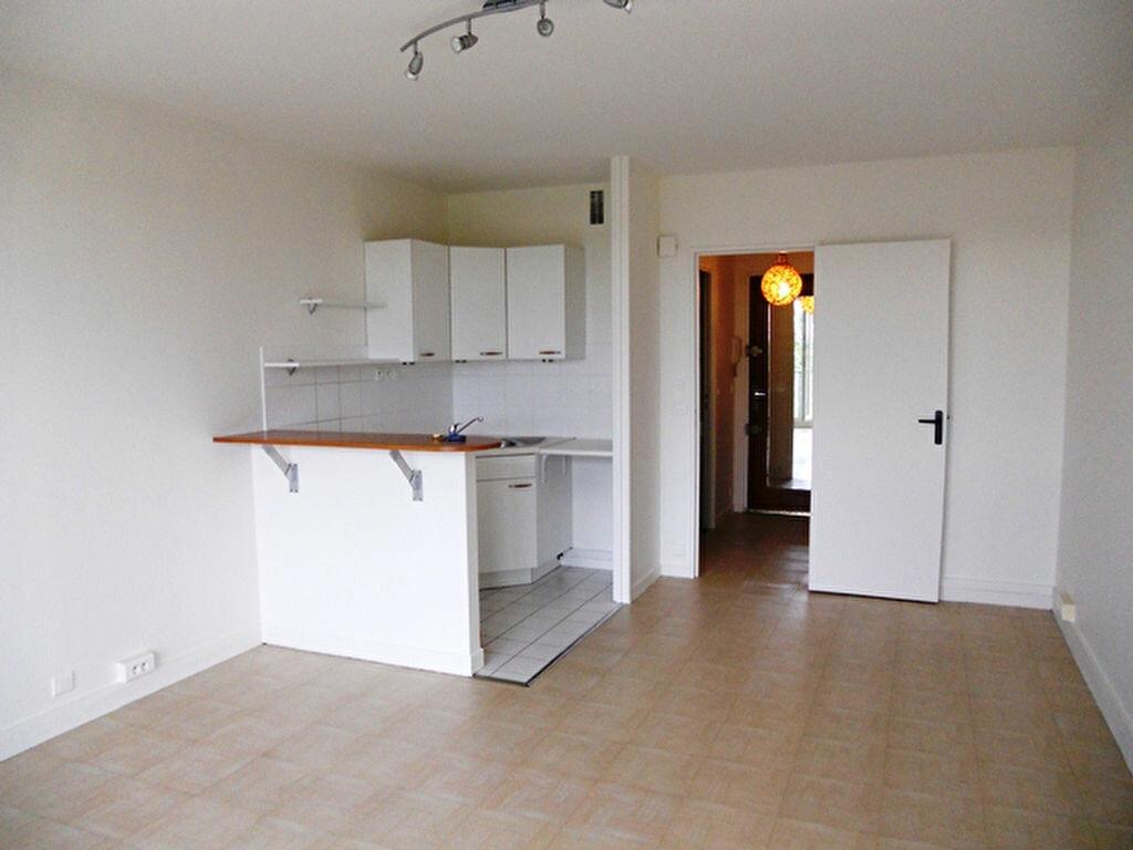 Location Appartement 1 pièce à Vigneux-sur-Seine - vignette-1