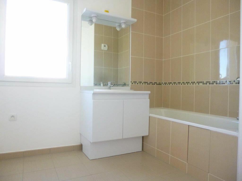 Achat Appartement 3 pièces à Saint-Pierre-du-Perray - vignette-3