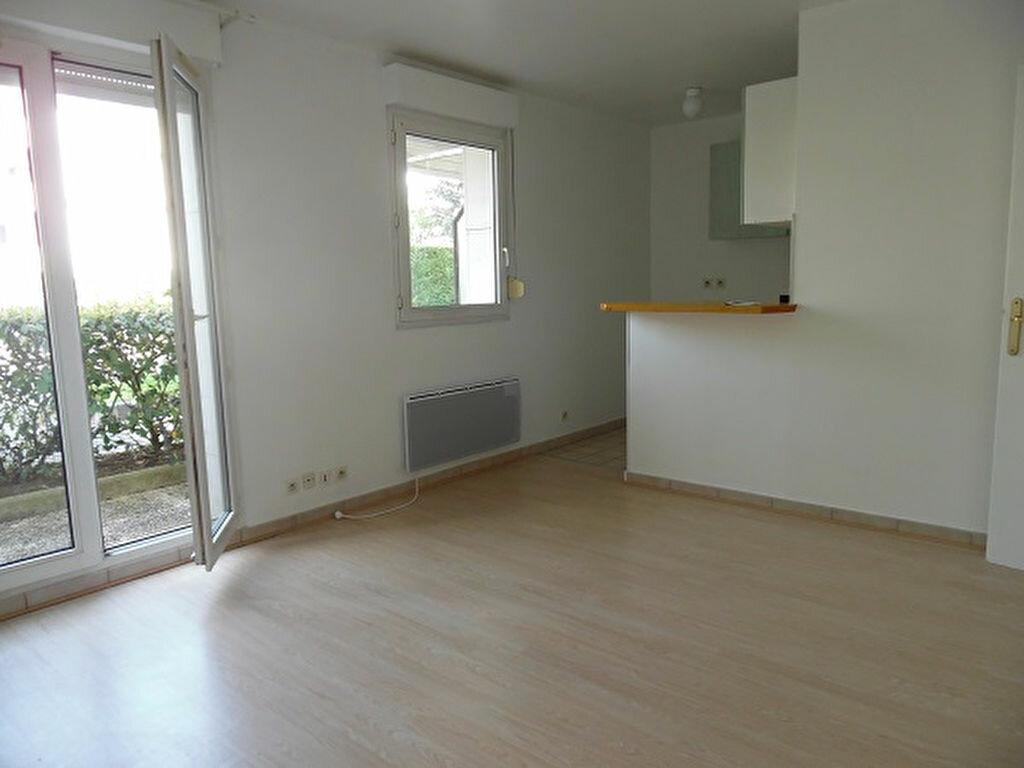 Location Appartement 1 pièce à Montgeron - vignette-1