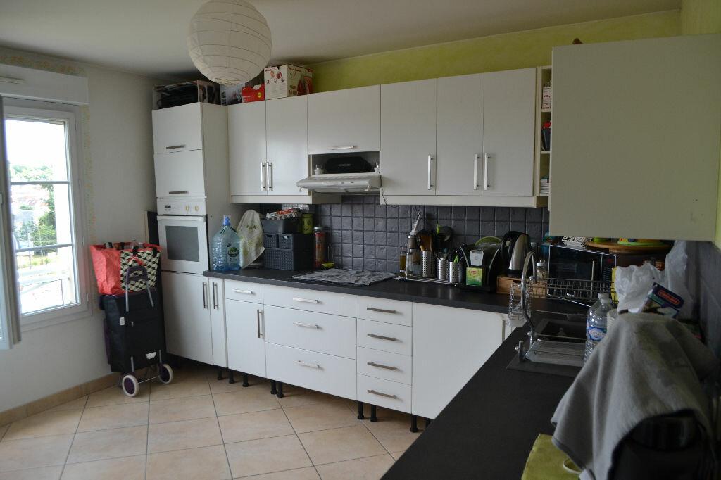 Achat Appartement 5 pièces à Montlhéry - vignette-3