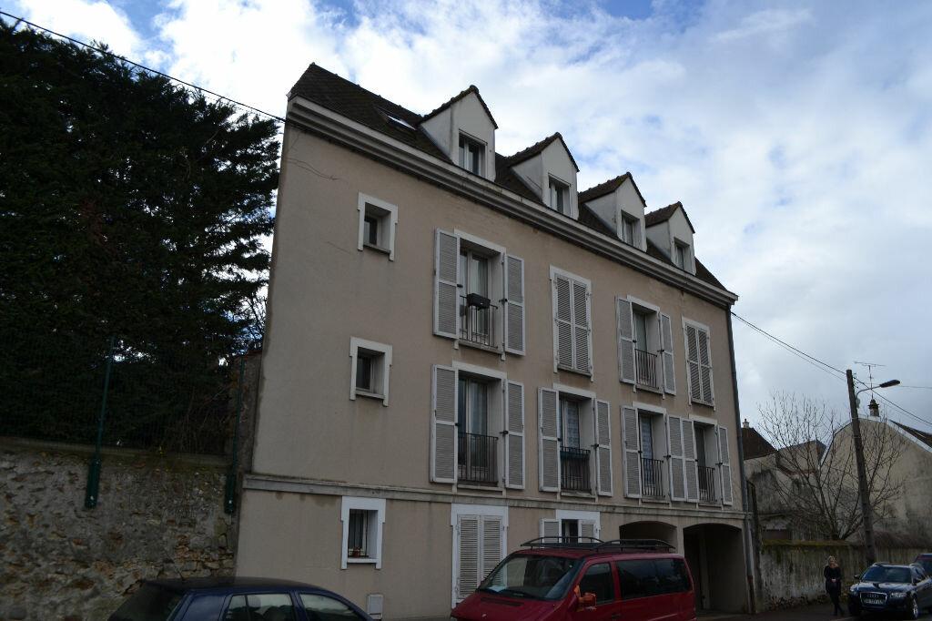 Achat Appartement 1 pièce à Montlhéry - vignette-1