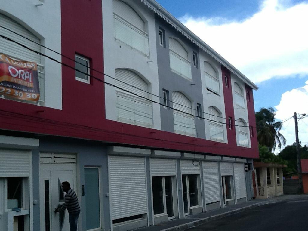 Location Local commercial  à Saint-François - vignette-1