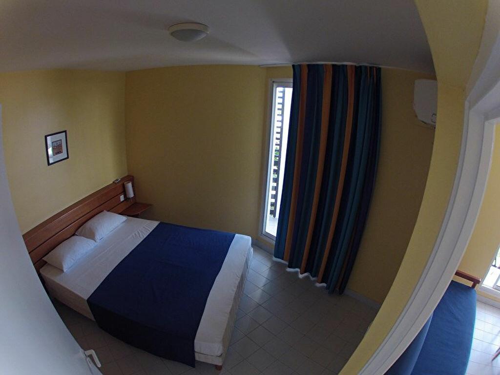 Achat Appartement 3 pièces à Saint-François - vignette-5