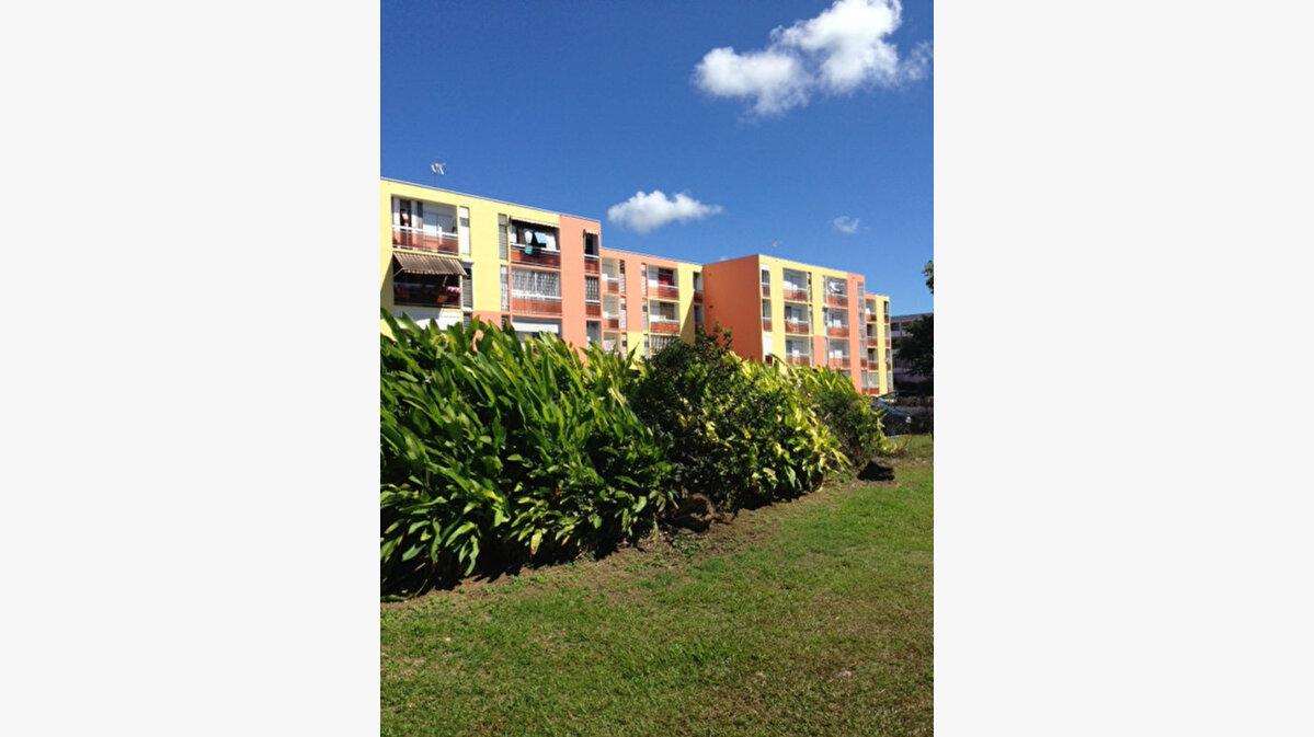 Location Appartement 6 pièces à Les Abymes - vignette-1