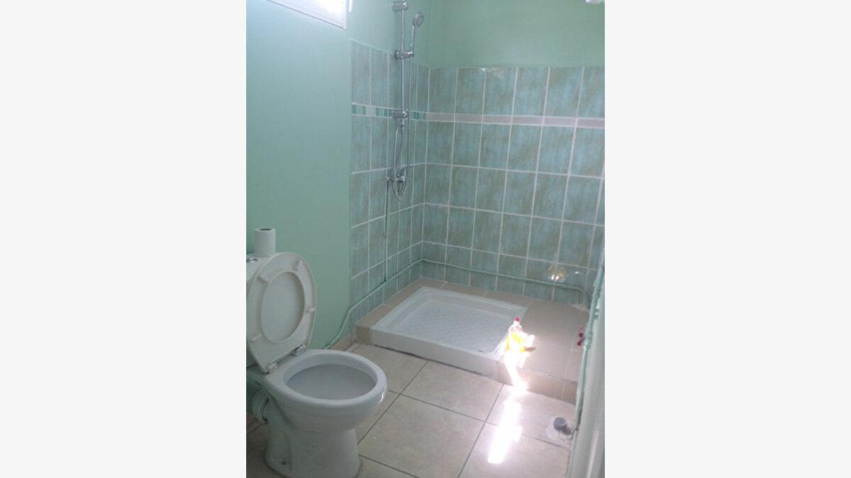 Location Appartement 3 pièces à Baie-Mahault - vignette-5