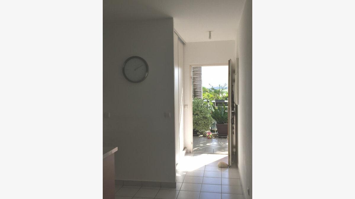 Achat Appartement 2 pièces à Baie-Mahault - vignette-11