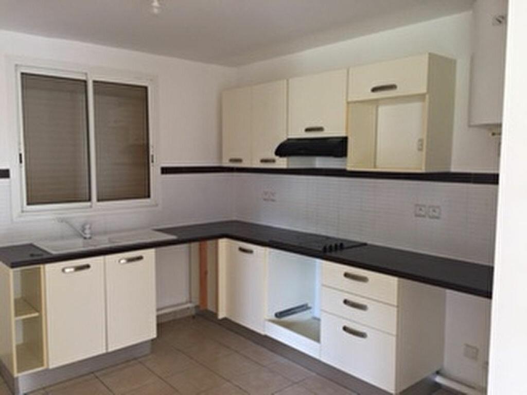 Achat Appartement 3 pièces à Petit-Bourg - vignette-2