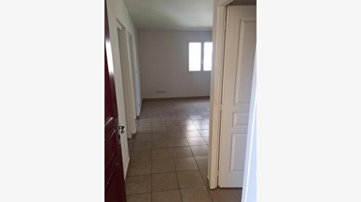 Achat Appartement 3 pièces à Petit-Bourg - vignette-3
