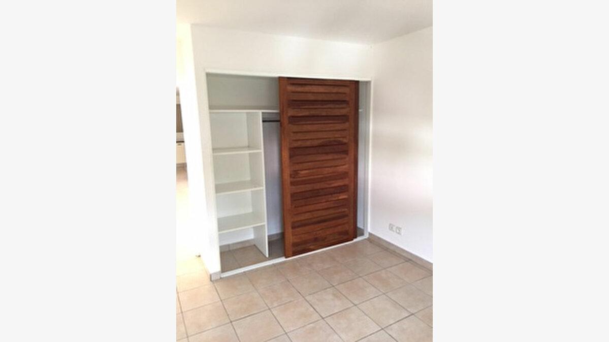 Achat Appartement 3 pièces à Petit-Bourg - vignette-4