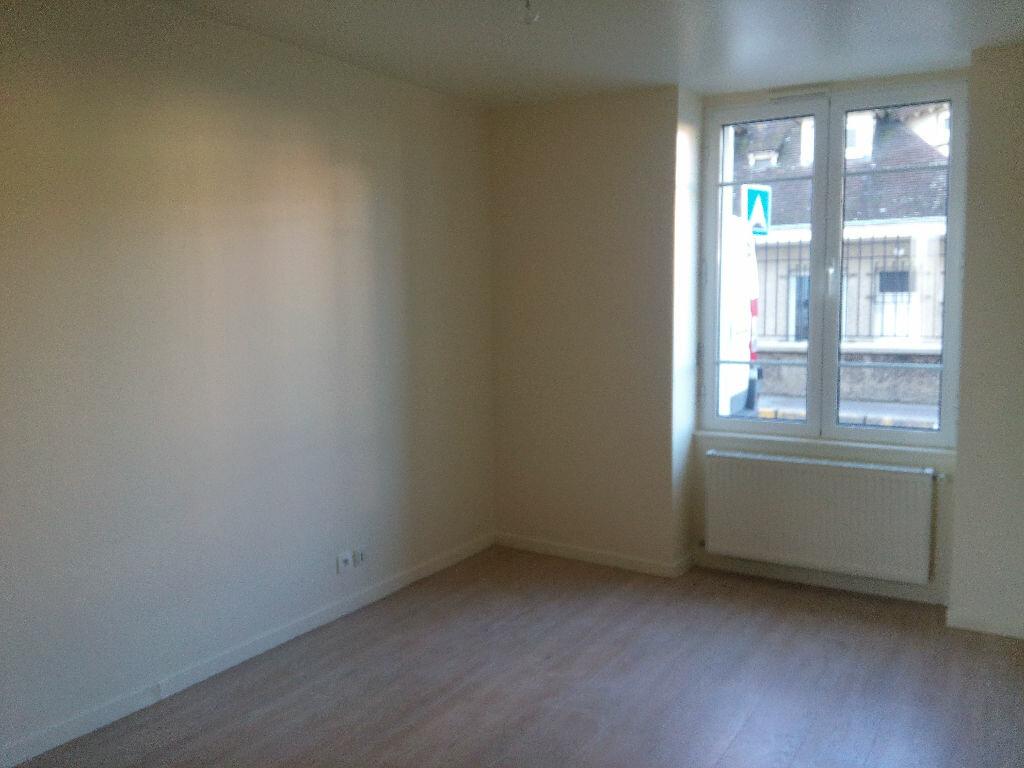 Location Appartement 2 pièces à Chennevières-sur-Marne - vignette-1