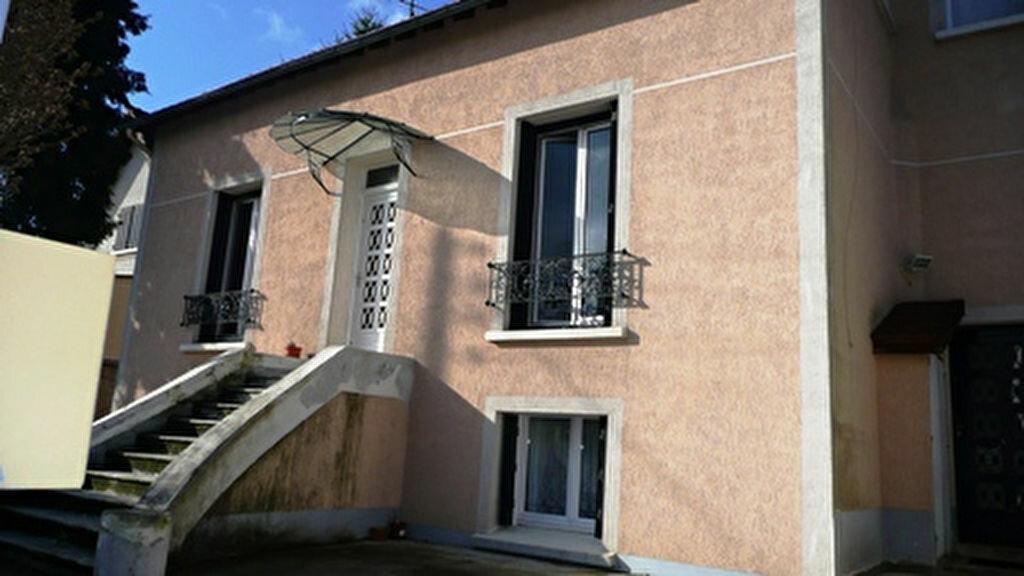 Location Appartement 3 pièces à Ormesson-sur-Marne - vignette-1