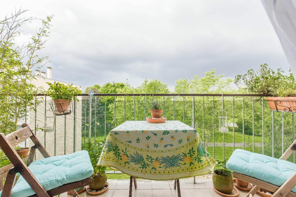 Achat Appartement 4 pièces à Chennevières-sur-Marne - vignette-2