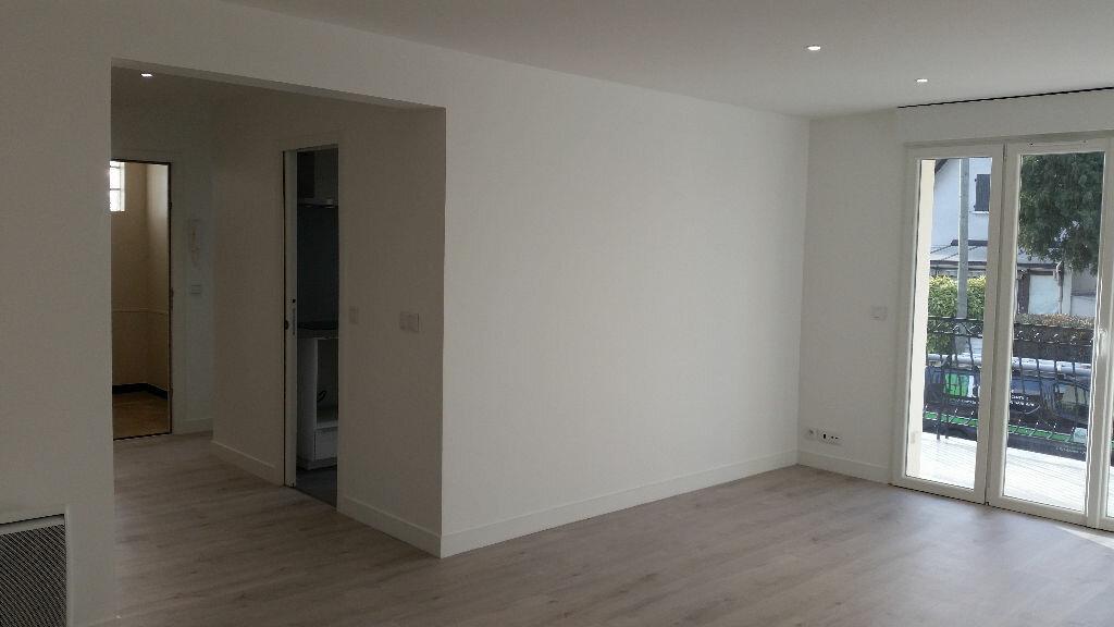 Location Appartement 4 pièces à Ormesson-sur-Marne - vignette-1