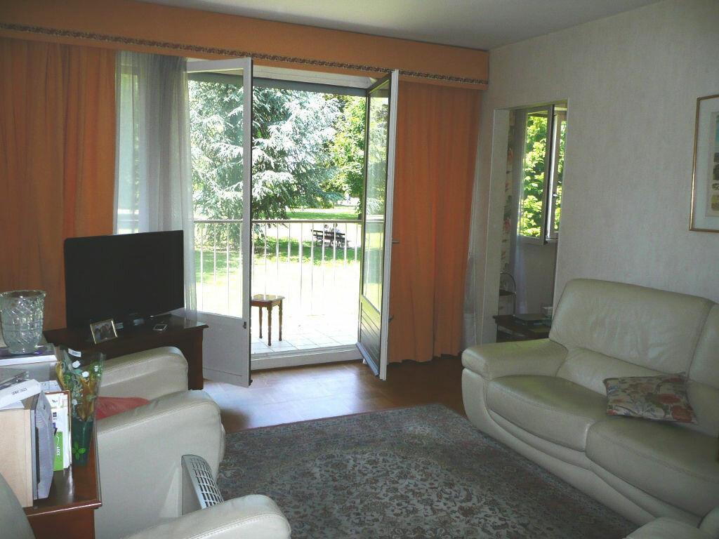 Location Appartement 4 pièces à Chennevières-sur-Marne - vignette-1