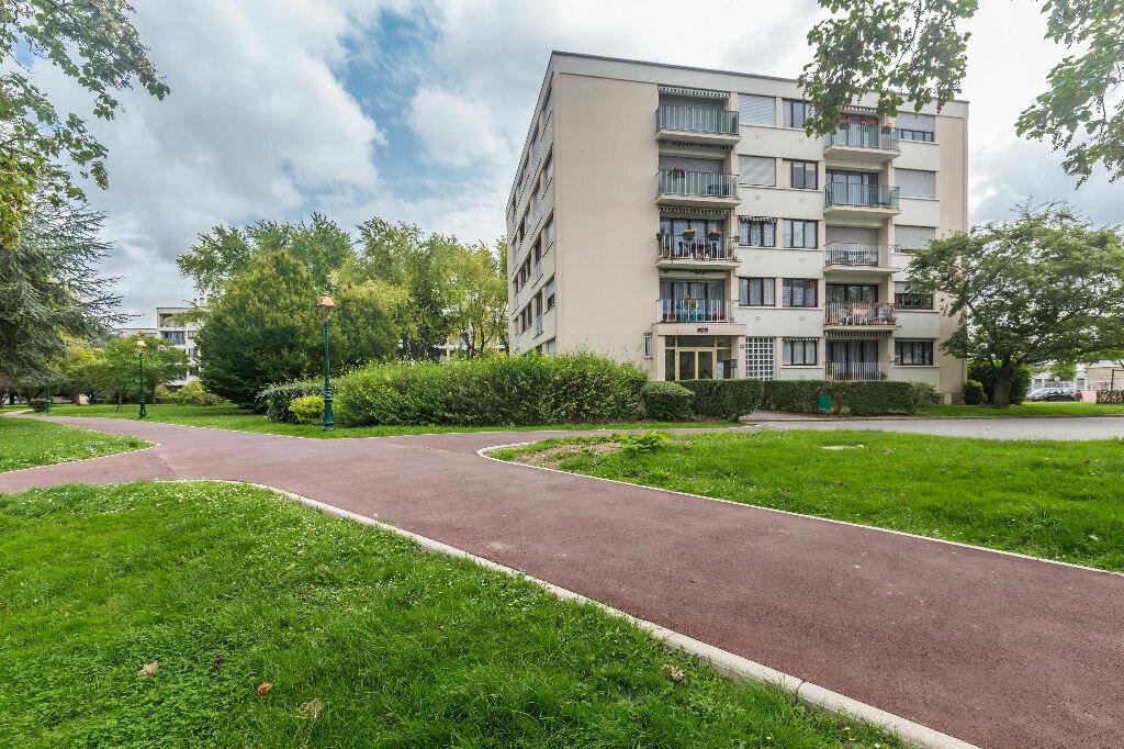 Achat Appartement 1 pièce à Chennevières-sur-Marne - vignette-3