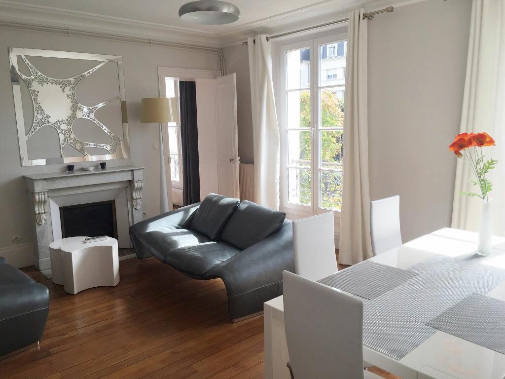 Location Appartement 3 pièces à Versailles - vignette-1