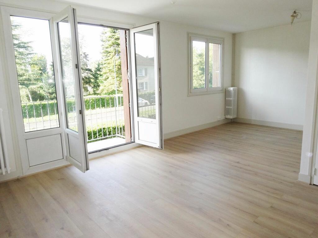 Achat Appartement 4 pièces à Noisy-le-Roi - vignette-1
