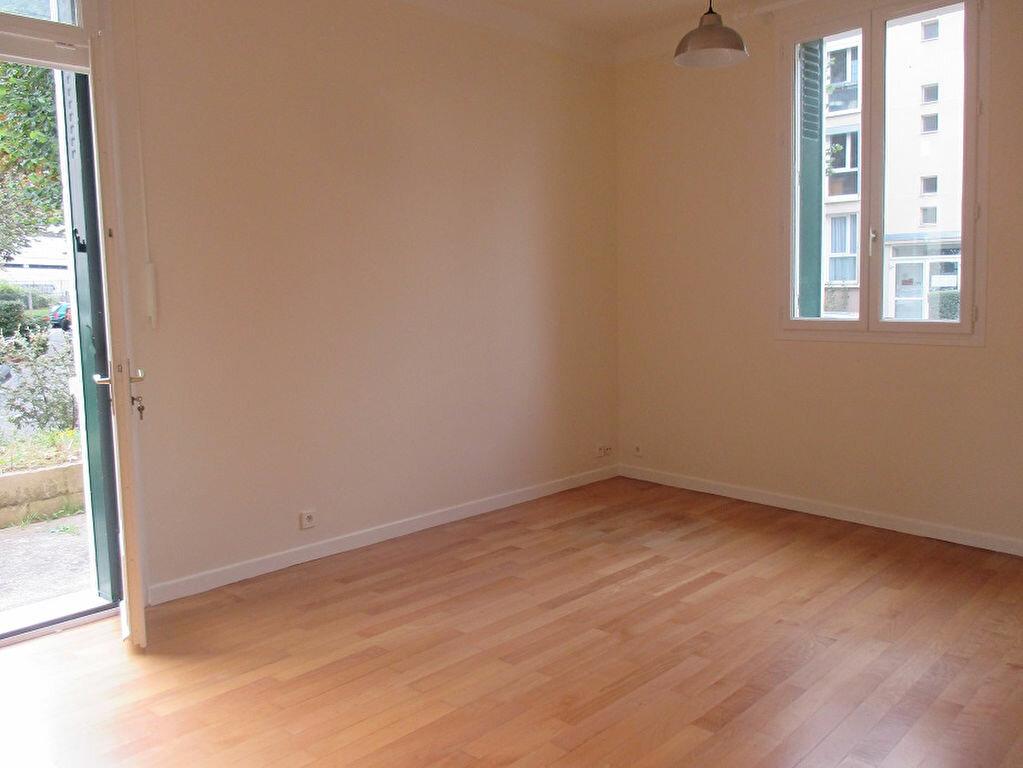 Location Appartement 2 pièces à Cachan - vignette-1