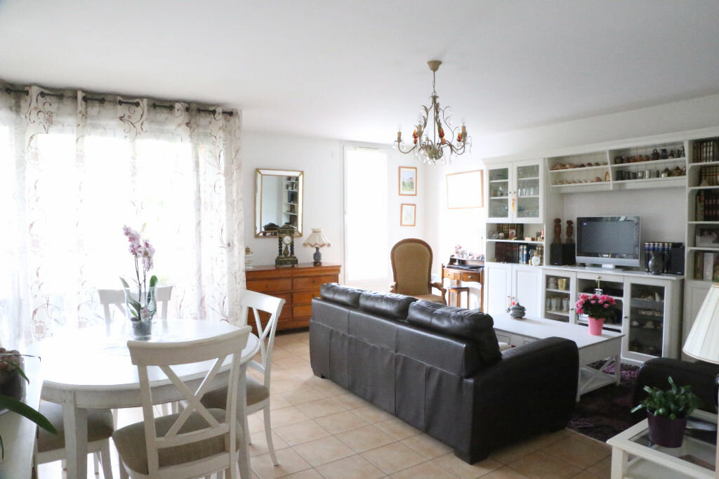 Achat Appartement 4 pièces à Arcueil - vignette-3