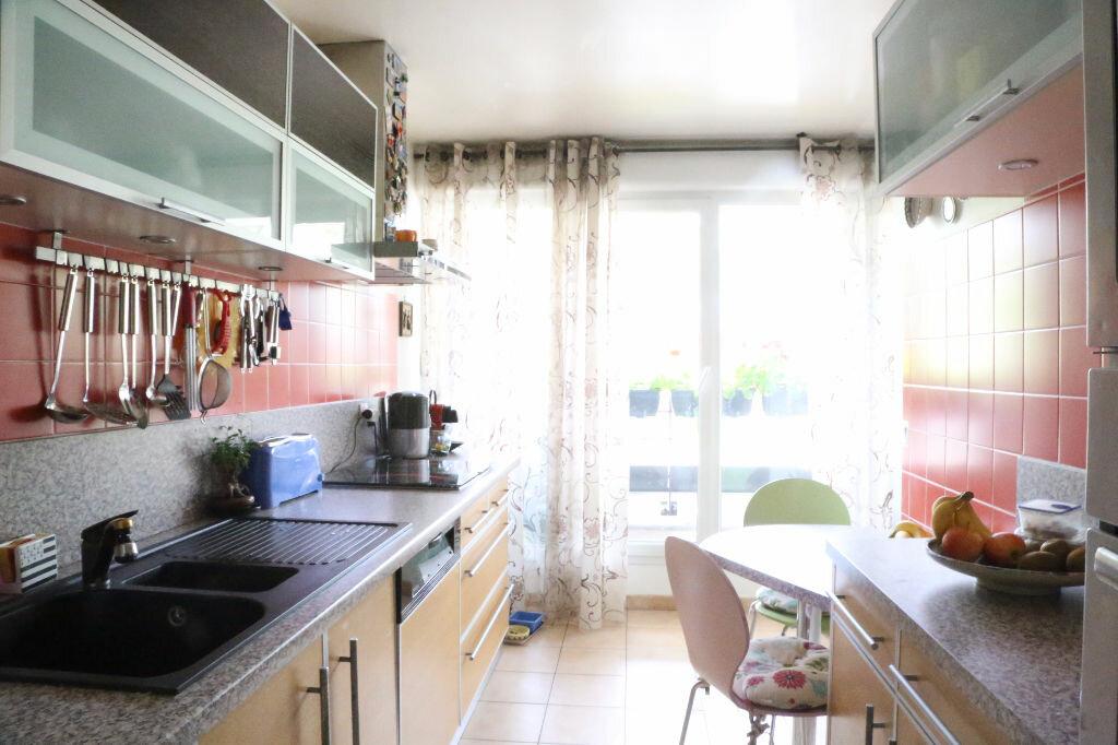 Achat Appartement 4 pièces à Arcueil - vignette-4